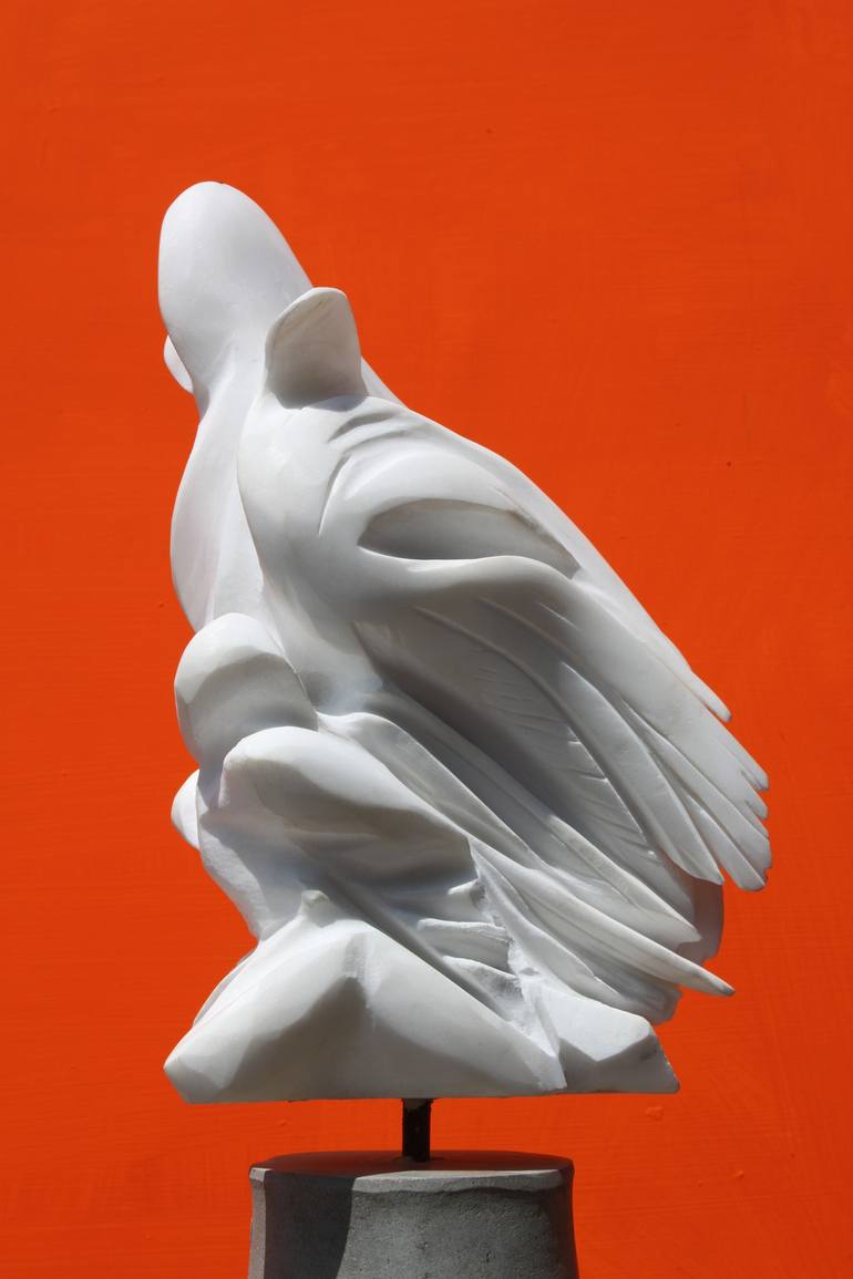 Angelo Caduto - scultura in marmo bianco di Carrara - 50 cm - 2010