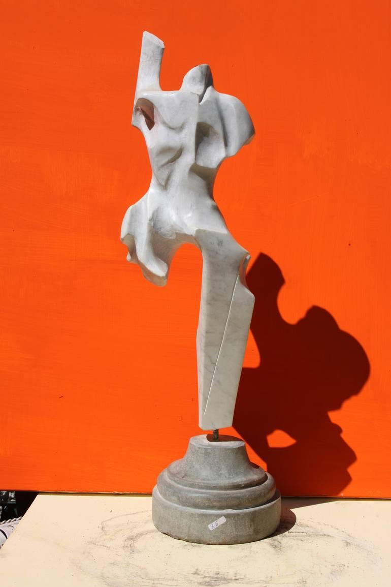 Il Maratoneta - scultura in marmo bianco di Carrara - 50 cm - 2013