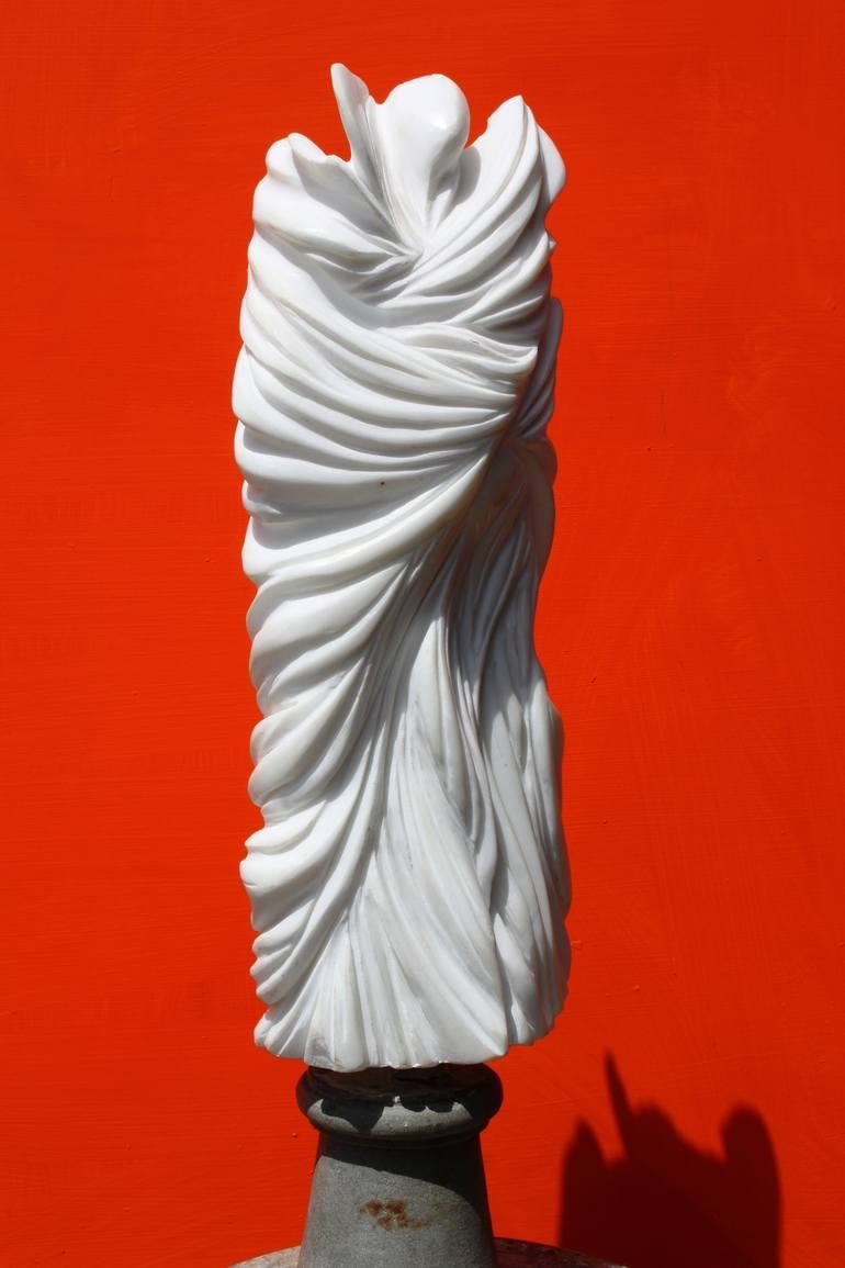 Loie Fuller - scultura in marmo bianco di Carrara - altezza 20 cm
